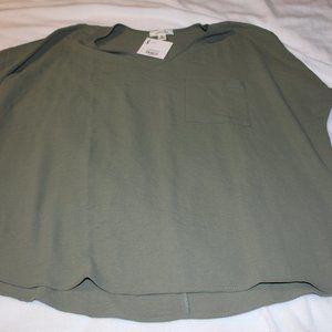 BRAND NEW - Olive Green Boxy Top w/Pocket